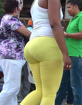 Bubble Booty In Yellow Leggings