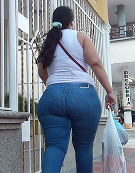 Mega Ass In Jeans